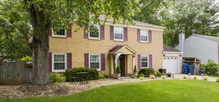13623 Ellendale Dr | Chantilly, VA 20151